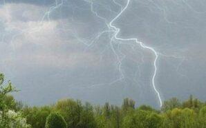 На Прикарпаття знову сунуть дощі, грози та град