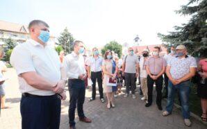 Віталій Федорів обговорив проблемні питання життєдіяльності районів із жителями Снятинщини…