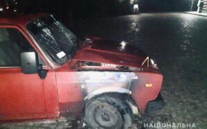 Поліція розшукує зловмисників, що підпалили авто та торговий склад на…