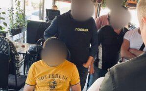 Правоохоронці Прикарпаття затримали посадовця за отримання неправомірної вигоди. ФОТО