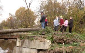 Жителі прикарпатського села за власні гроші відновили два мости. ФОТО