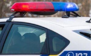 Поліцейські затримали двох вандалів, які демонтували огорожі з могил. ФОТО