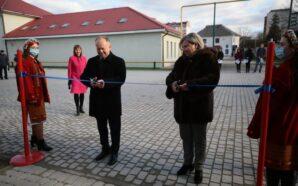 В Івано-Франківську відкрили відреконструйований легкоатлетичний манеж спорткомплексу