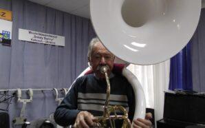 Для калуського духового оркестру привезли унікальний музичний інструмент. ФОТО